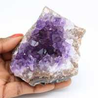 Naturlig kristallisering av ametist