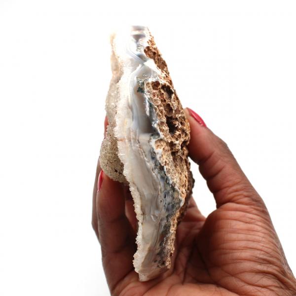 Kvartskristaller på polerat agat