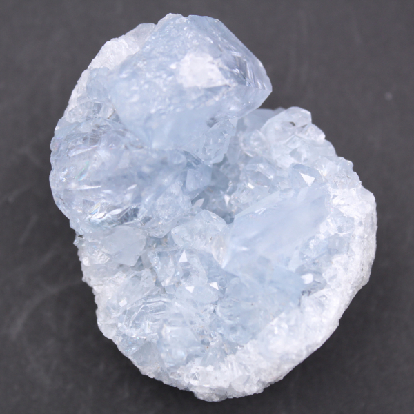 Blå celestitkristaller