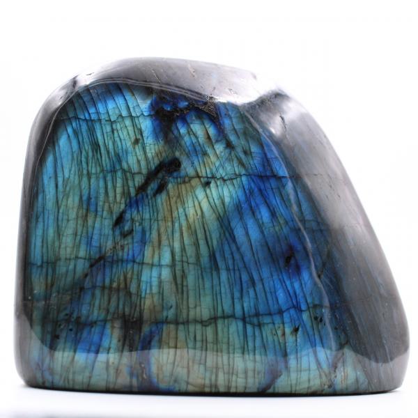 Block av labradorit med blå reflexioner